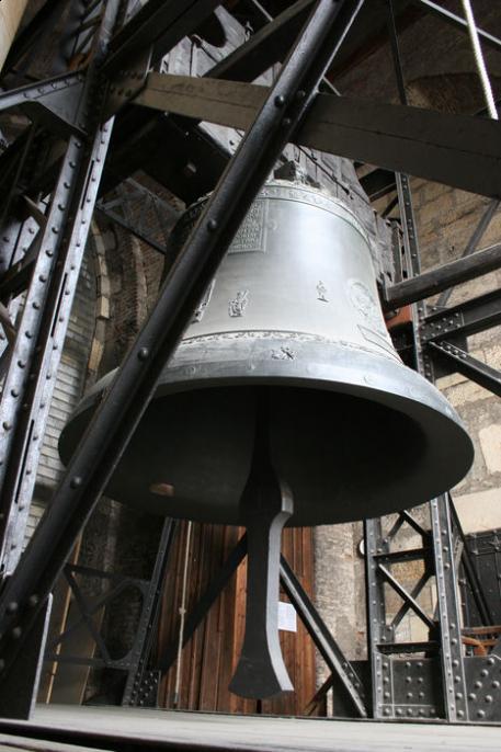 Zvon Zikmund na věži sv. Víta