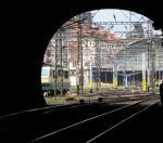 Uvnitř železničního tunelu