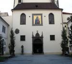 Ticho v kostele Paní Marie Snežné